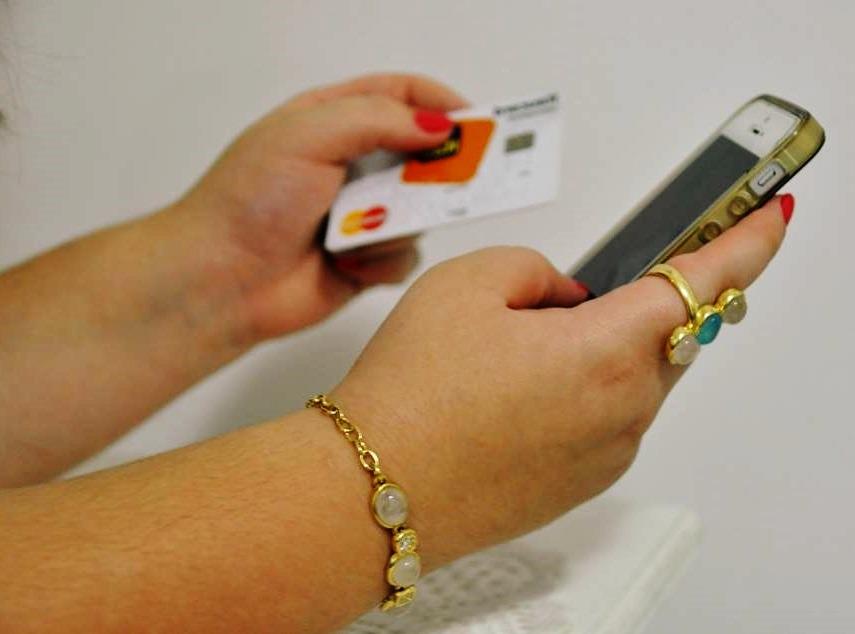 Dispositivo possibilita venda com cartão através do celular