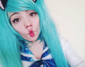 Cosplay de Hatsune Miku por Giulia Beatriz / Foto: Arquivo Pessoal.